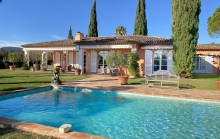 Grimaud - Superb one level Provencal Villa with glimpses of the sea in a stunning gated residence
