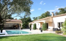 La Garde Freinet - Pleasant 5 bedroomed provencal villa with swimming pool , pool house and outbuildings.