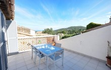 Stunning appartement with Sunny terrace and Spacious garage.