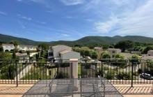 Sous compromis avec RMSbyc-  Le Clos des Vignes Appartement 3 pièces au dernier étage avec superbe terrasse de 18,5 m2