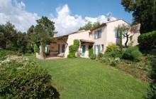 Grimaud  - Villa provencale proche du village medieval